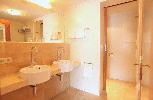 Hotel Theodul - Bathroom 2