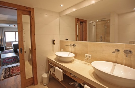 Hotel Theodul - Bathroom