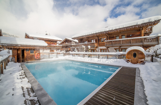 Resort carousel les loges blanches hotel   pool 2