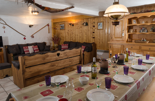 Chalet Louis - Dining Room (2)