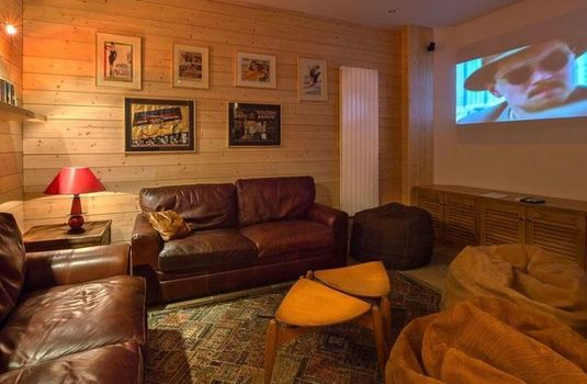 Chalet Eric - Cinema Room