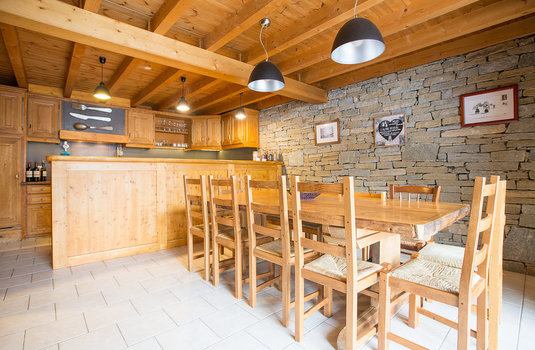 Chalet Le Marmotton - dining room