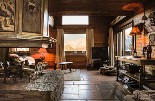 Resort carousel chalet hermine courchevel lounge