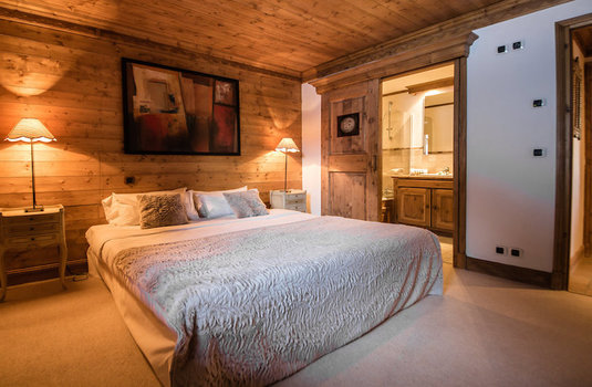 Resort carousel chalet hermine courchevel bedroom 3