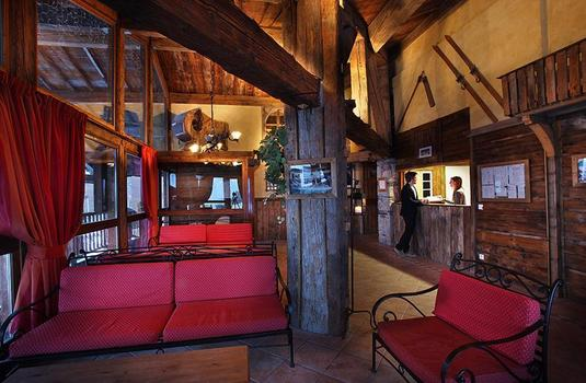 Resort carousel chalet caribou   tignes   lobby