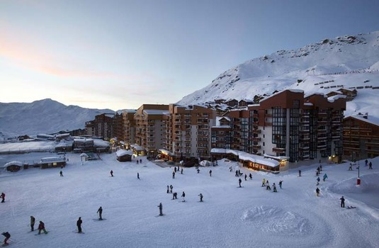 Resort carousel hotel le val thorens  exterior 2