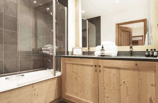 Apartment Sarire - Bathroom.jpg