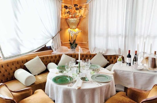 spinale- dining2