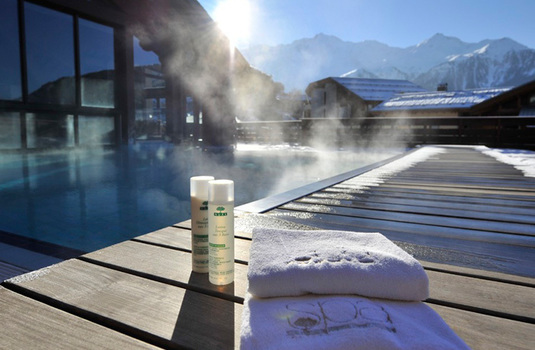 Resort carousel club med peisey vallandry pool spa