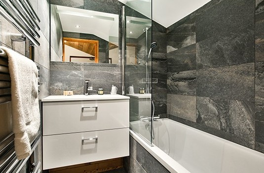 chalet-cime-bathroom.jpg