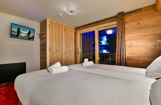 chalet-cime-double-bedroom.jpg