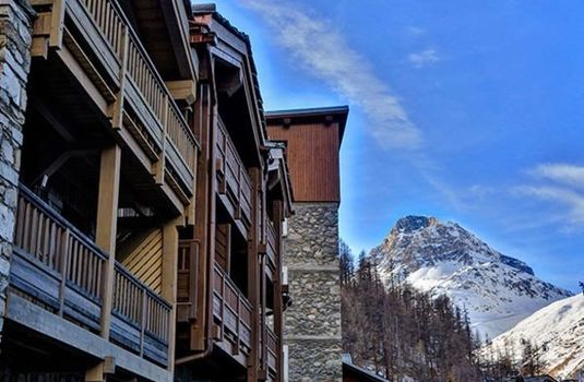 Resort carousel chalet sylvie val d isere exterior