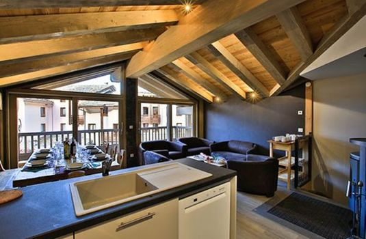 Resort carousel chalet sylvie val d isere lounge