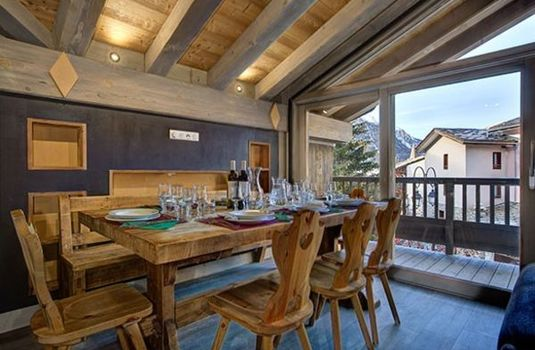 Resort carousel chalet sylvie val d isere dining room