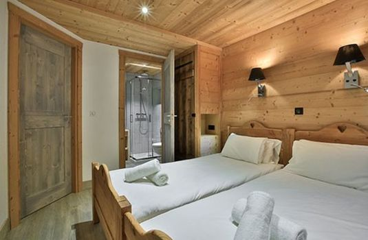 Chalet Sylvie double bedroom