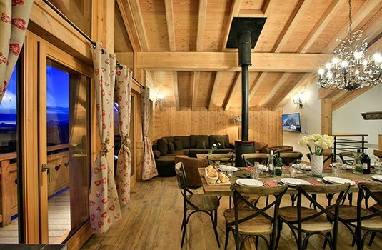 Resort carousel chalet hepatica la plagne living room