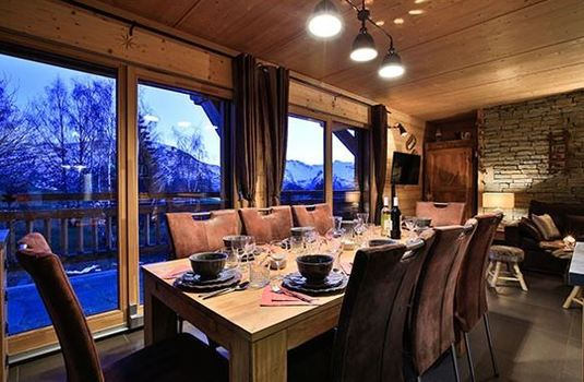 chalet-rebeque-dining