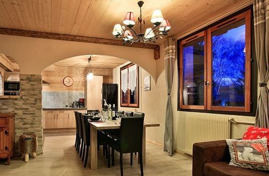 chalet-martine-dining-area