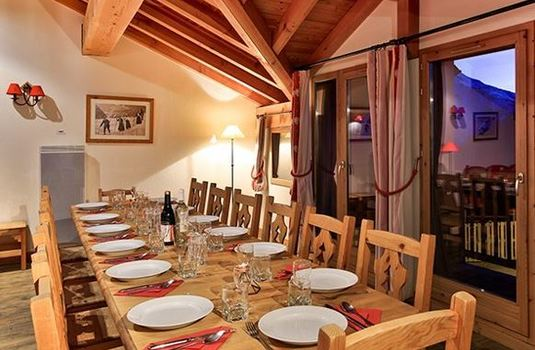 chalet-tomasz-dining