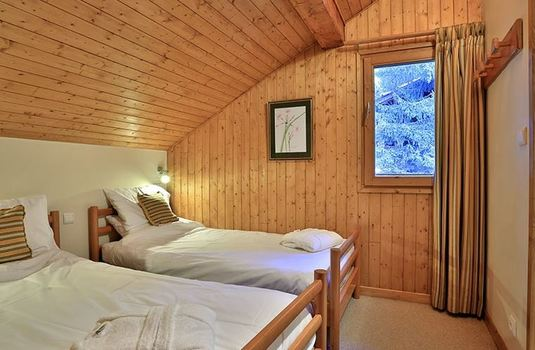 chalet-cecilia-twin-bedroom2