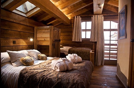 Chalet-Samuel-Bedroom.jpg