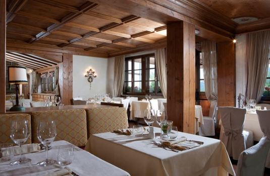 Resort carousel hotel faloria spa dining2