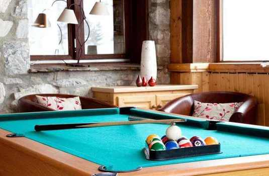 Resort carousel claret chartreux tignes pool table
