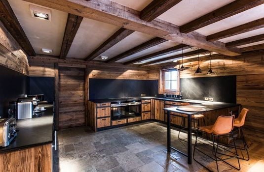 la-mourra-village-chalet-ambre-kitchen