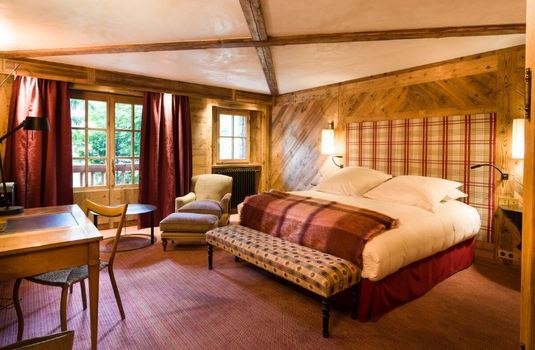 la-mourra-village-chalet-sequoia-bedroom