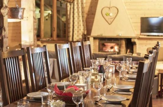 chalet-le-valentin-dining-area2