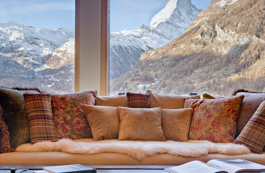 Chalet-Grace-Lounge-View.jpg