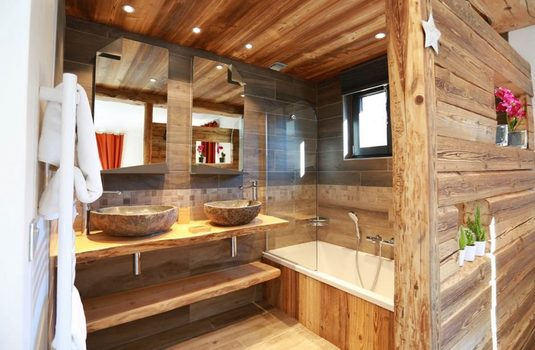 Resort carousel chalet d isere bathroom