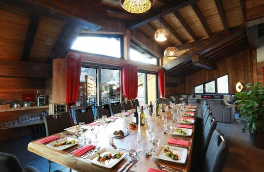 Resort carousel chalet d isere dining room