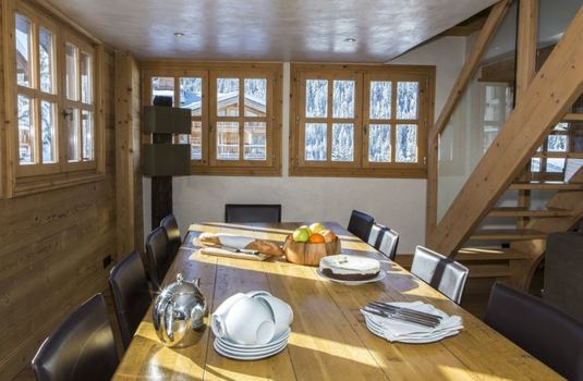 chalet-l'orchidee-dining-room2