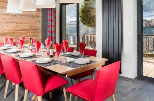 Chalet-Suzanne-Dining-Room.jpg