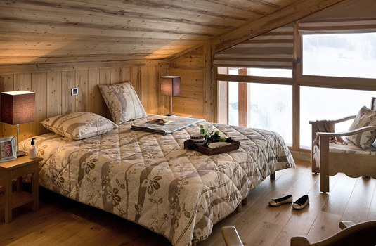 village-lessy-bedroom
