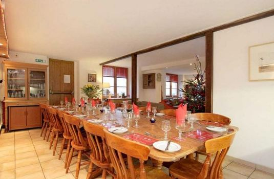 chalet-ruby-dining-room