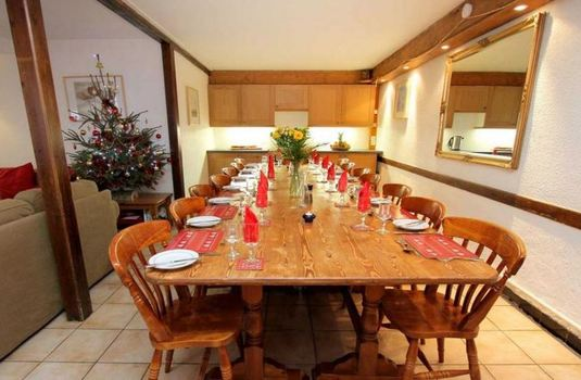 chalet-ruby-dining-room2