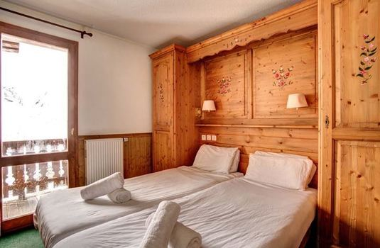 Chalet-Cerise-bedroom