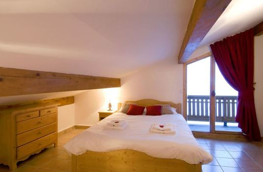 penthouse-chalet-bedroom