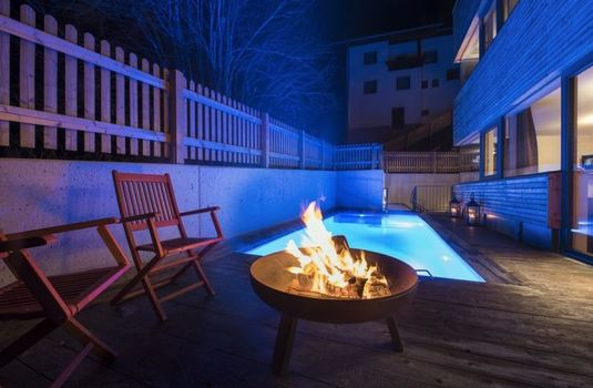 chalet-stratus-pool