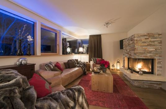 chalet-stratus-living-room