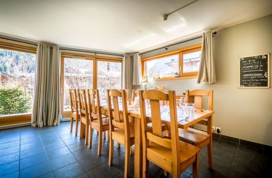 chalet-grand-sapin-dining-room