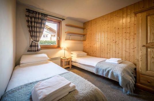 chalet-grand-sapin-twin-bedroom