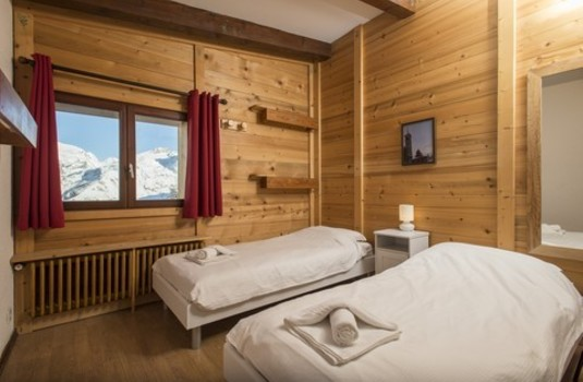 Chalet Les Martins bedroom twin