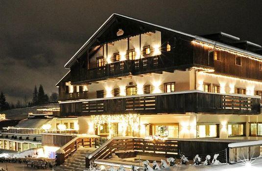 Resort carousel hotel rosapetra exterior