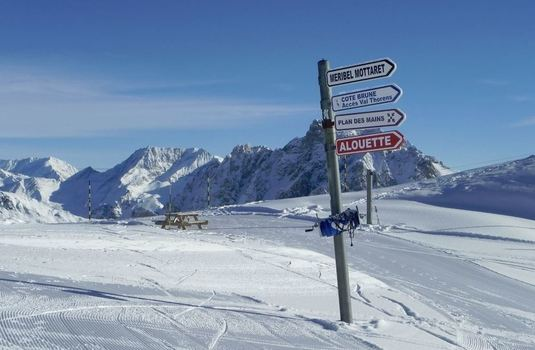 meribel-signpost