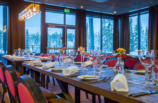 Resort carousel blu mountain resort trysil dining2