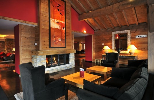 Resort carousel club med peisey2 lounge
