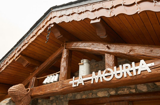 chalet-mouria-exterior